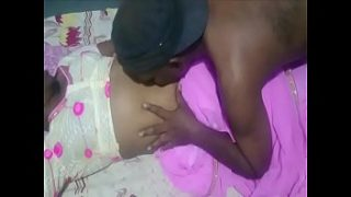 Indian desi girl romance with her bf in bedroom